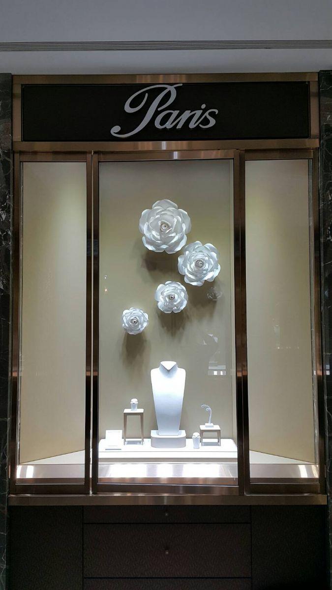 橱窗展示雕塑_淘宝橱窗推荐位展示在哪_展示橱窗设计